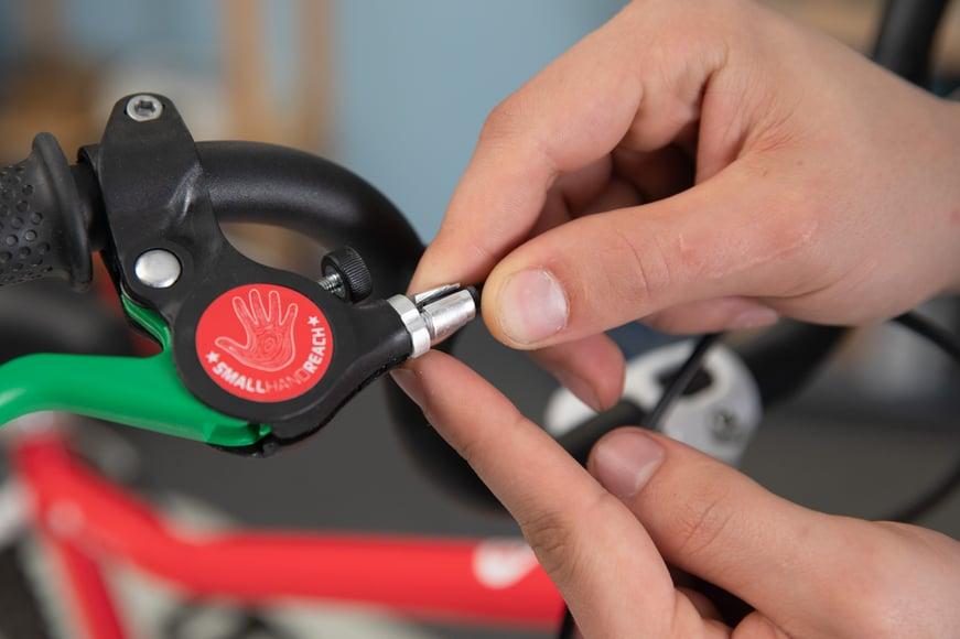 Überprüfung Innensechskantschraube Bremsarme