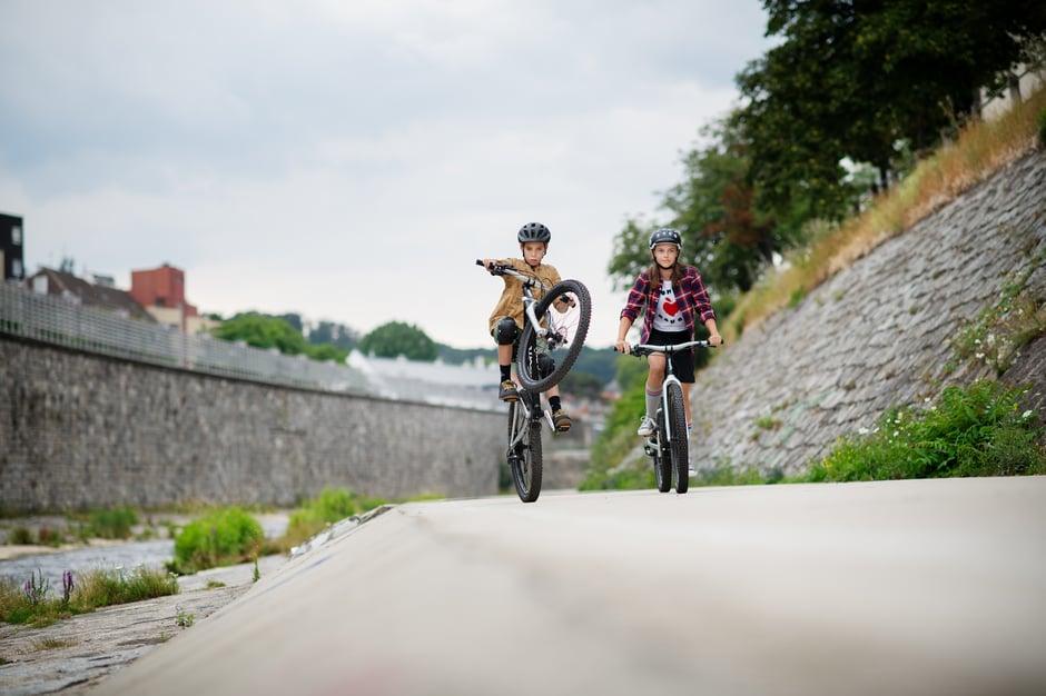 woom Mountainbike in der Stadt